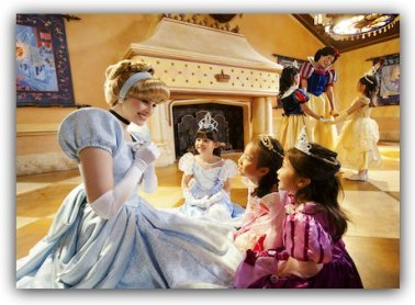 Meeting Princesses at Hong Kong Disneyland Hotel
