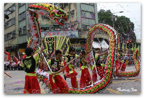 Hong Kong Festivals and Events, Lions, Dragons, Firecrackers... a riot of colour...