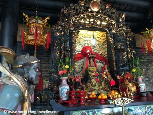 Altars and offerings at Pak Tai Temple in Cheung Chau