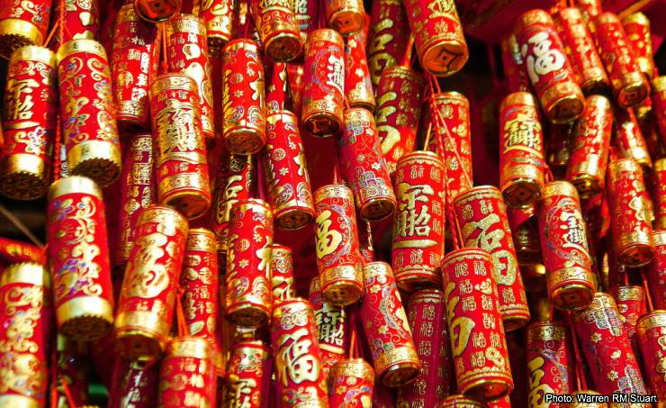 hong kong chinese new year firecrackers