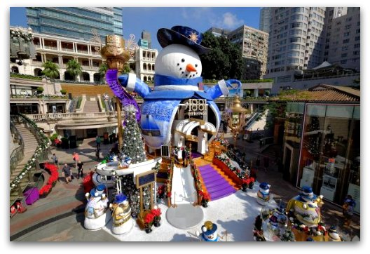 Sparkling Christmas with Frosty at 1881 Heritage Hong Kong