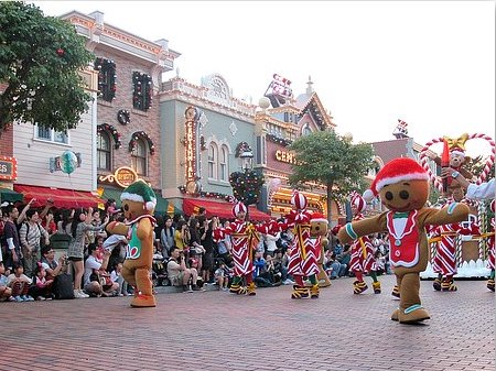 Hong Kong Disneyland Christmas Parade
