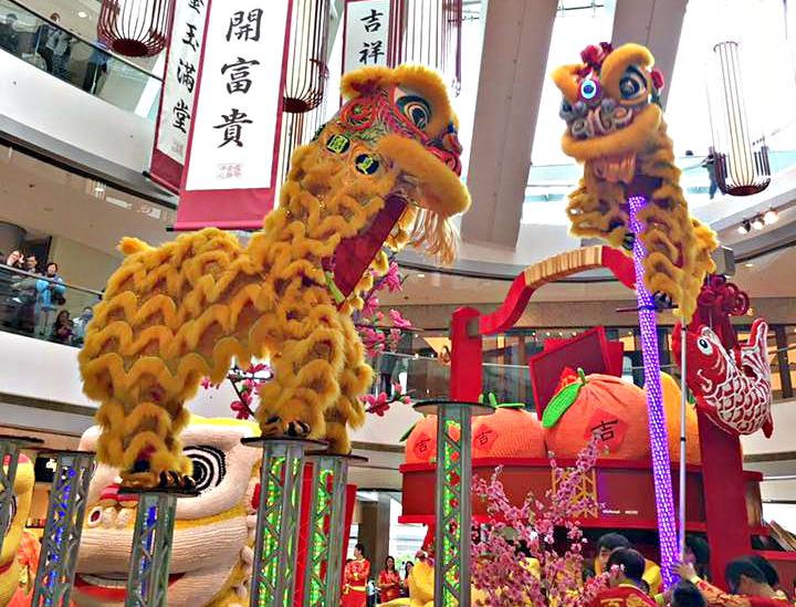Chinese New Year Lion Dance in Hong Kong at Harbour City