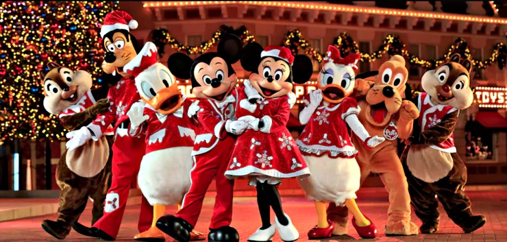 Hong Kong Disneyland Christmas Season