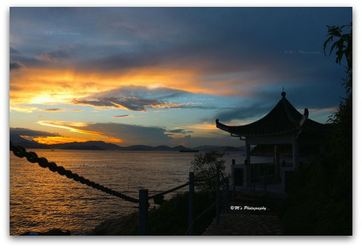 A sunset in Lamma Island