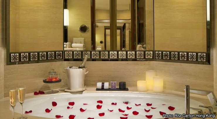 Romantic Hotels in Hong Kong: Ritz Carlton