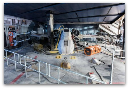 Tomorrowland HK - X-Wing Starfighter at the Hyperspace Mountain Space Port