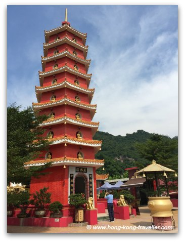 The 9-storey Pagoda at the Ten Thousand Buddhas Monastery