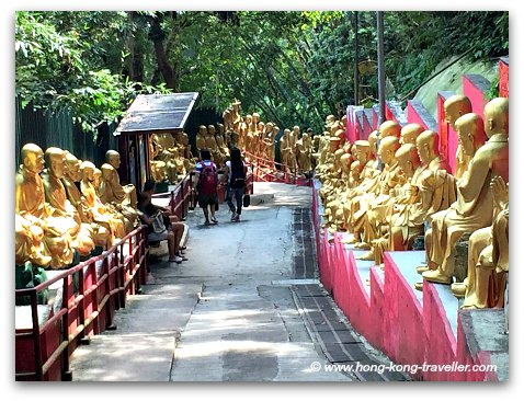 Path to the Ten Thousand Monastery, there are a few rest stops along the path