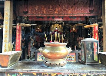 Altar Offerings for Chung Yeung Festival