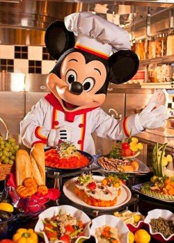 Character Dining at Chef Mickey