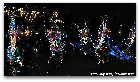 Disney Paint the Night Parade: Shimmering costumes