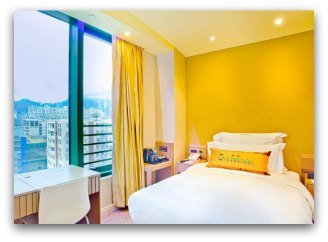 Bright double with city views at Harbour Bay Hotel