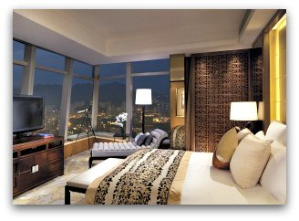 Luxury Hotels in Hong Kong: The Ritz Carlton