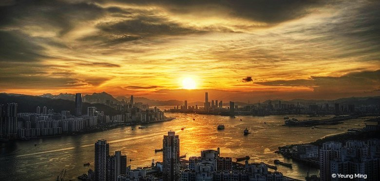 Hong Kong Travel: Victoria Harbour Sunset